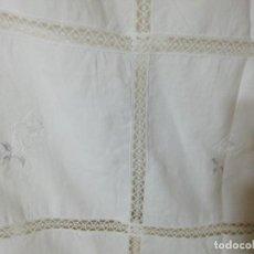 Antigüedades: * MANTEL DE LINO BORDADO A MANO. 1,72M.(RF:E-67/A*). Lote 245577220