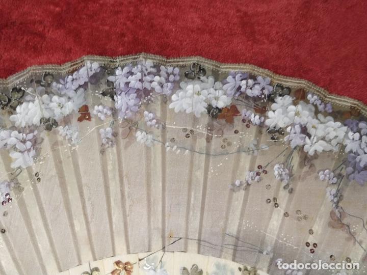 Antigüedades: ABANICO DE DAMA. HUESO TALLADO Y POLICROMADO. TELA PINTADA. ESPAÑA. SIGLO XIX - Foto 14 - 245905725
