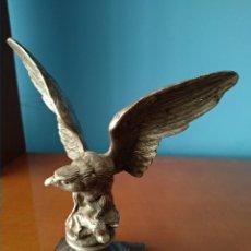 Antigüedades: ANTIGUA ÁGUILA BRONCE. Lote 245915900