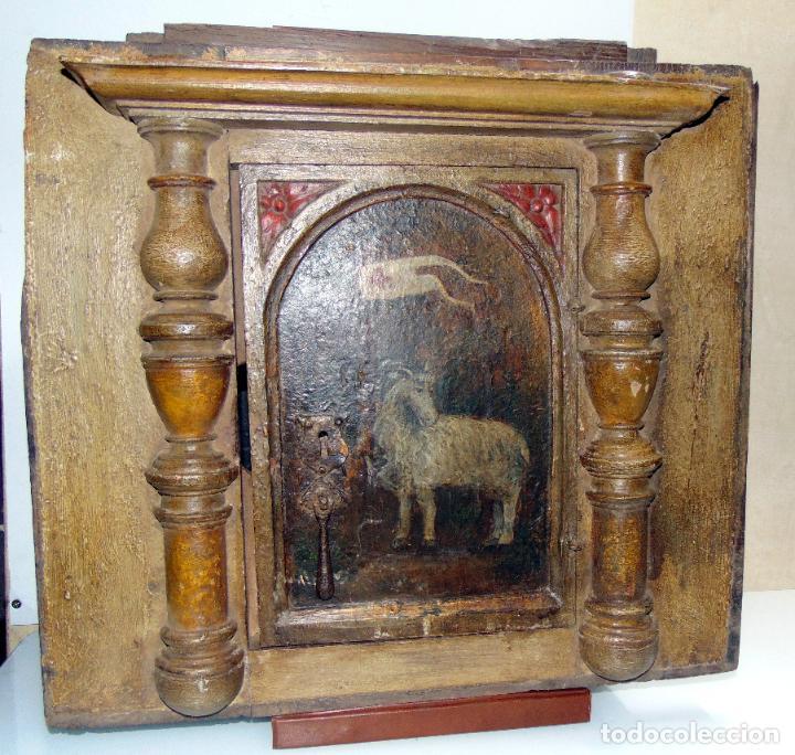 Antigüedades: Sagrario, hornacina, madera tallada y policromada al oleo, siglo XVII -XVIII, cordero eucaristico, - Foto 3 - 245929815