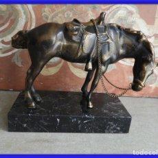 Antigüedades: FIGURA DE UN CABALLO DE BRONCE SOBRE MARMOL. Lote 245937715