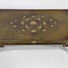 Antigüedades: ANTIGUA MESA DE CENTRO CHINA - LACA DECORADA CON DORADOS - MUY DECORATIVA. Lote 245940075