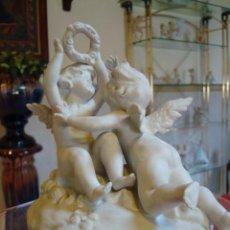 Antigüedades: PRECIOSA FIGURA DE PORCELANA. MARCA EN LA BASE. Lote 246046450