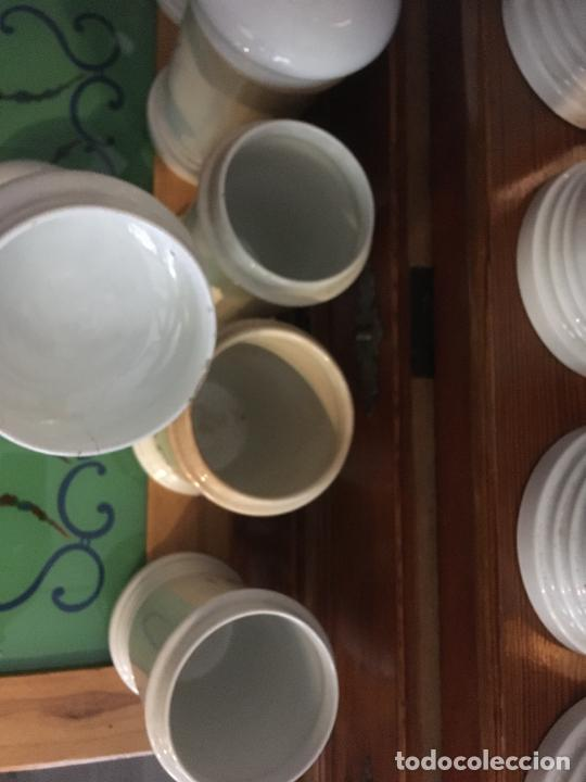 Antigüedades: Doce albarelos Isabelinos en cerámica blanca farmacia botica.Letras posteriores.24 x 10,5 cms - Foto 6 - 246074425