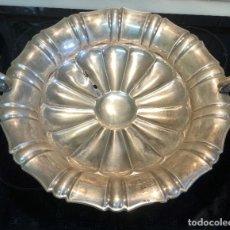 Antiquités: CENTRO CON ASAS PLATA DE LEY. Lote 246094300