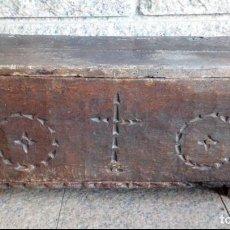 Antigüedades: ARCA KUTXA ANTIGUA DE CASTAÑO. Lote 246207025