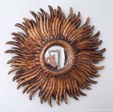 Antiquités: ANTIGUO ESPEJO SOL DORADO DE MADERA Y ESTUCO CON ESPEJO CONVEXO , OJO DE PEZ AÑOS 50/60. Lote 246214875