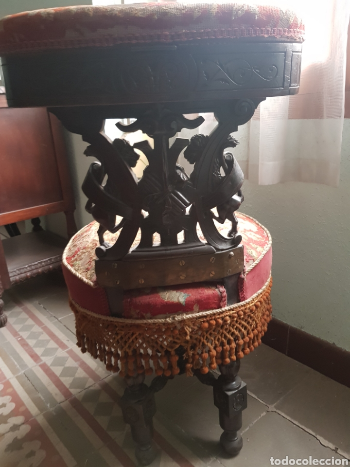 Antigüedades: Sillón reclinatorio ,tela y fleco original bordada a petitpua - Foto 3 - 246250815