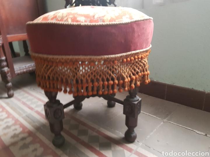 Antigüedades: Sillón reclinatorio ,tela y fleco original bordada a petitpua - Foto 4 - 246250815