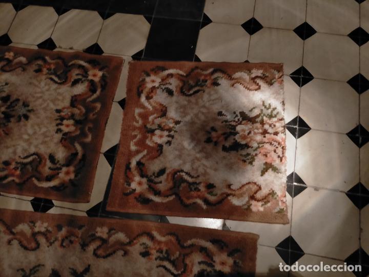 Antigüedades: ALFOMBRA 116X57 ALFOMBRILLA LANA + OTRA CORTADA POR LA MITAD DE REGALO - Foto 3 - 246331095