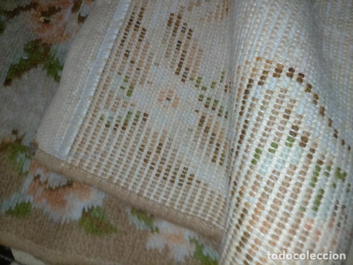 Antigüedades: ALFOMBRA 116X57 ALFOMBRILLA LANA + OTRA CORTADA POR LA MITAD DE REGALO - Foto 13 - 246331095