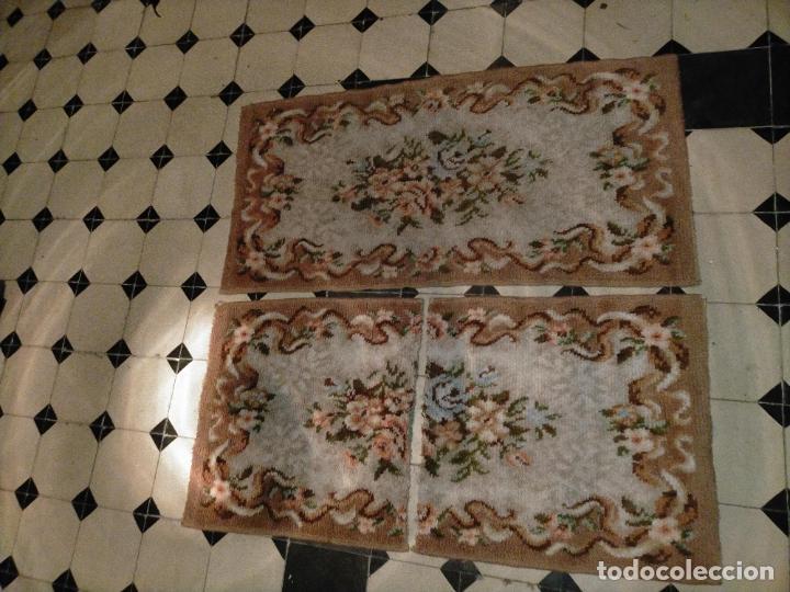 Antigüedades: ALFOMBRA 116X57 ALFOMBRILLA LANA + OTRA CORTADA POR LA MITAD DE REGALO - Foto 14 - 246331095