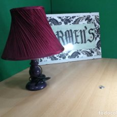 Antigüedades: BOTITA LAMPARA DE SOBREMESA, PRECIOSÍSIMA. Lote 246368575