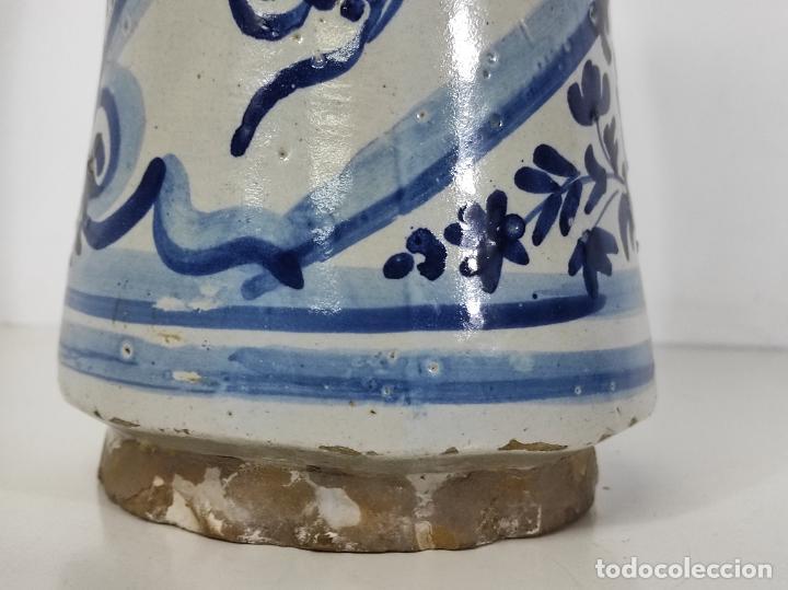Antigüedades: Bote, Albarelo de Farmacia -Cerámica Policromada Catalana, Influencia Francesa -Altura 31cm S. XVIII - Foto 2 - 246521705