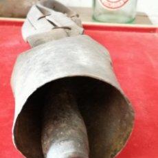 Antiquités: ANTIGUO CENCERRO 12,5CM. BADAJO ORIGINAL. Lote 246531875