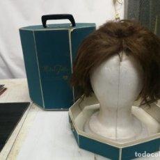 Antiguidades: ANTIGUA PELUCA DE PELO HUMANO HUMAN HAIR EN SU CAJA Y SOPORTE MADAME JULLIE CUCHITA 70. Lote 246596320