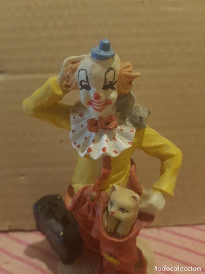 Antigüedades: Bonita Figura de Payaso con Gato o gatito en Resina o Similar. Excelentes detalles. Como nueva - Foto 4 - 246604390