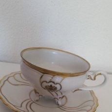 Antigüedades: LINDA ALMOSADERA A CAFE O TE PORCELANA WEIMAR MAD GERMANY HECHA Y PINTADA A MANO. Lote 246612155