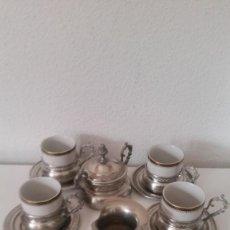 Antigüedades: PRECIOSO JUEGO A CAFE EN PORCELANA MONIPOLI Y ESTANO ANOS 40,50. Lote 246613135