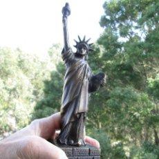 Antiquités: FIGURA EN BRONCE DE LA ESTATUA DE LA LIBERTAD. Lote 246651960