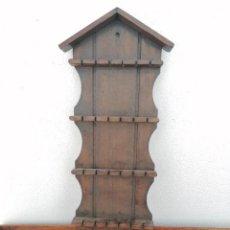 Antigüedades: ANTIGUO PIPERO O COLGADOR. Lote 246665810