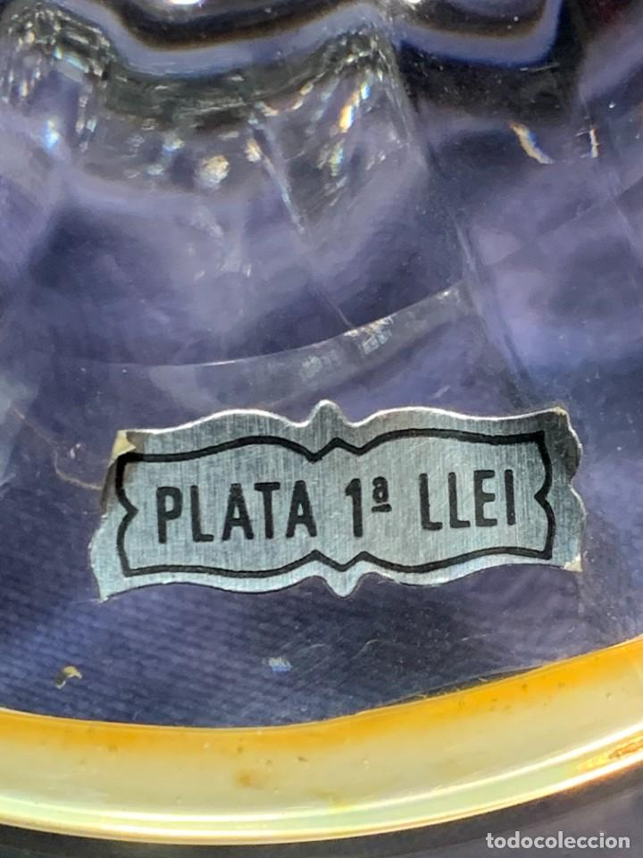 Antigüedades: PAREJA CANDELEROS VIDRIO BASES PLATA 1ª LEY ETIQUETAS CONTRASTES 24X10,5CMS - Foto 20 - 246675080