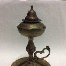 Antigüedades: LAMPARILLA DE ACEITE O CAPUCHINA ANTIGUA DE LATON.SIGLO XIX. Lote 246680370