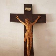 Antigüedades: CRUCIFIJO DE MADERA UNA RELIQUIA. Lote 246721645