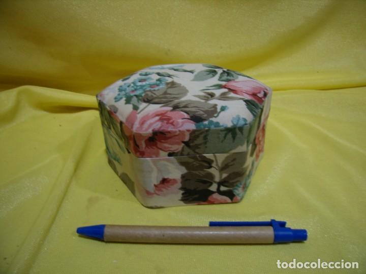 Antigüedades: Caja joyero cartón forrado tela por dentro y por fuera, años 80, Nuevo sin usar. - Foto 2 - 246739130