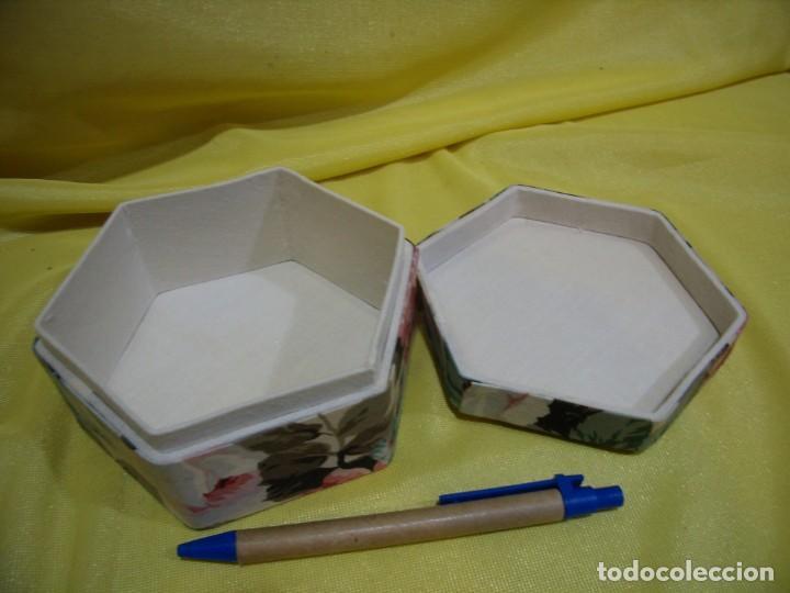 Antigüedades: Caja joyero cartón forrado tela por dentro y por fuera, años 80, Nuevo sin usar. - Foto 3 - 246739130