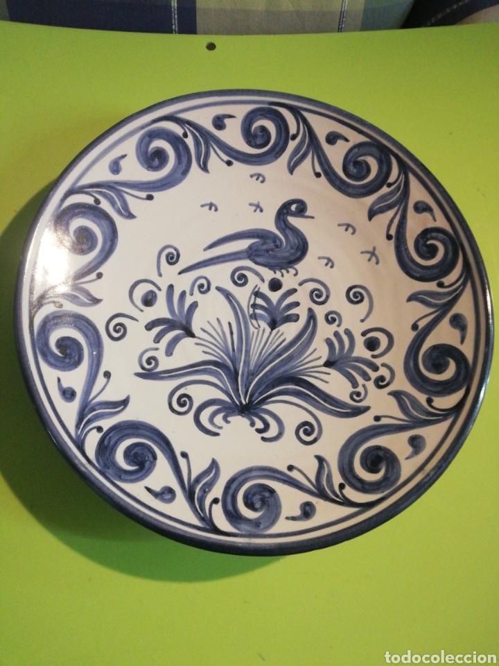 PRECIOSO PLATO PINTADO A MANO DOMINGO PUNTER (Antigüedades - Porcelanas y Cerámicas - Teruel)