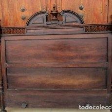 Antigüedades: CAMA COMPLETA ANTIGUA EN MADERA DE NOGAL, SXIX, DE 150. Lote 246913735