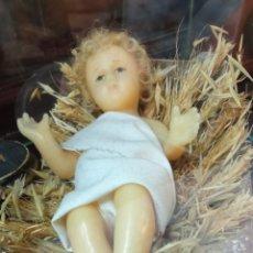Oggetti Antichi: NIÑO JESÚS EN CERA ANTIGUO 25 CTM. Lote 246958095