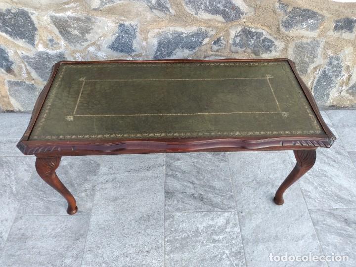 Antigüedades: Antigua mesa de fumador estilo luis xv, con cuero verde en la supercicie. - Foto 3 - 246961505