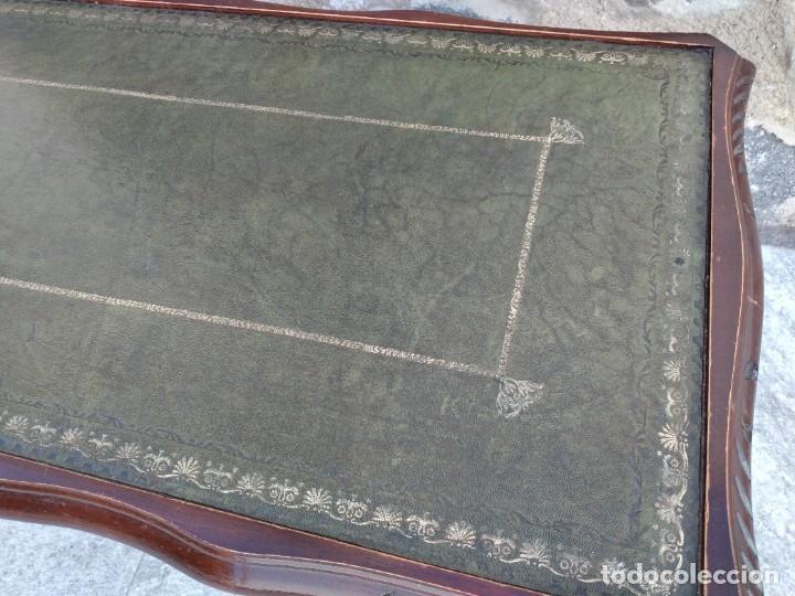 Antigüedades: Antigua mesa de fumador estilo luis xv, con cuero verde en la supercicie. - Foto 6 - 246961505