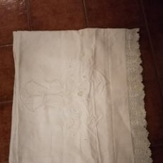 Antigüedades: MARAVILLOSA SABANA DE HILO, PUNTILLA DE BOLILLOS EXCELENTE CALIDAD NUEVA A ESTRENAR (407). Lote 246981225