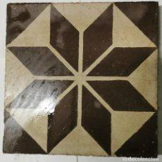 Antigüedades: BALDOSA HIDRÁULICA MODERNISTA (PRINCIPIOS S XX) 20X20. Lote 246995380