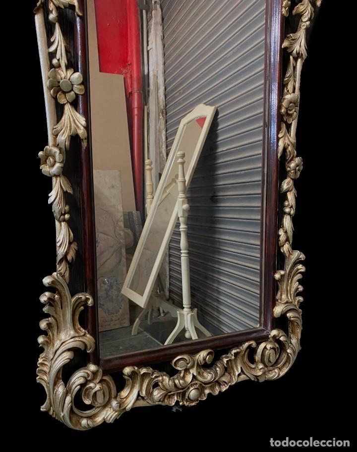 Antigüedades: Antiguo espejo, cornucopia de madera con plata corlada. 140x58. - Foto 2 - 247003820