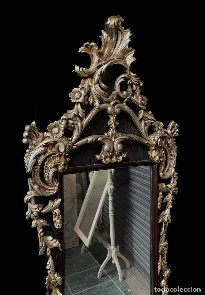 Antigüedades: Antiguo espejo, cornucopia de madera con plata corlada. 140x58. - Foto 3 - 247003820