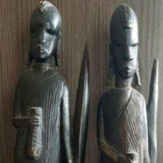 Antigüedades: ESCULTURA DE MASAIS. MADERA. Lote 247035840