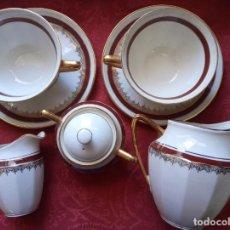 Antigüedades: JUEGO DE CAFÉ DE LIMOGES TIPO TU Y YO , CON ACABADOS EN ORO. Lote 247090460