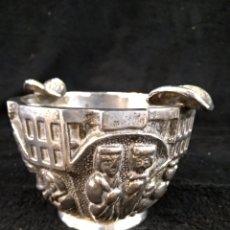Antigüedades: BONITO CENICERO, VALENTÍ, BRONCE BAÑADO EN PLATA, IMÁGENES RELIGIOSAS DE ESTILO ROMANICO. Lote 247102065