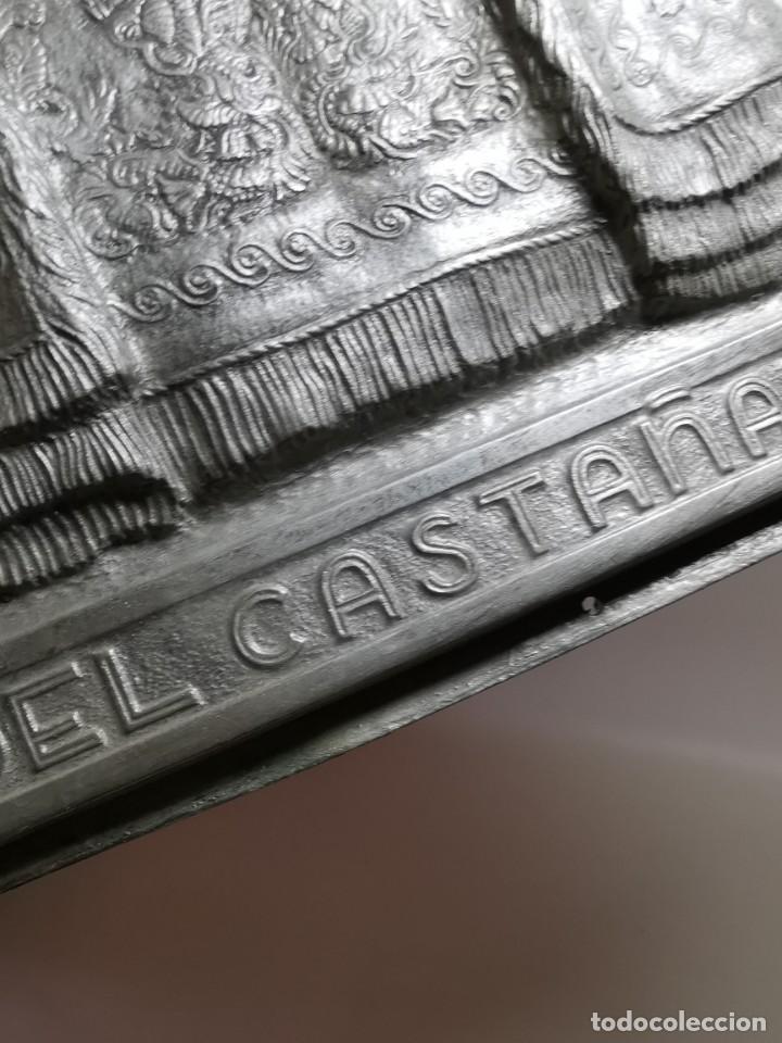 Antigüedades: CUADRO VIRGEN NUESTRA SEÑORA DEL CASTAÑAR-BEJAR -SALAMANCA-METAL CINCELADO Y REPUJADO.FIRMA MORERA. - Foto 15 - 247103550