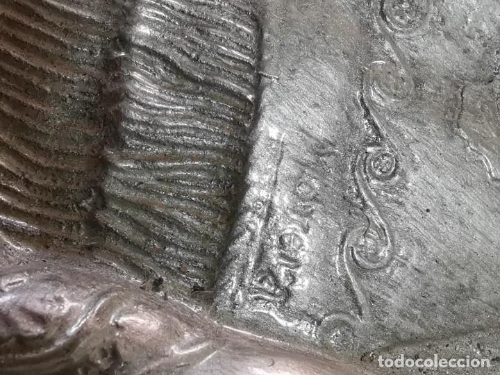 Antigüedades: CUADRO VIRGEN NUESTRA SEÑORA DEL CASTAÑAR-BEJAR -SALAMANCA-METAL CINCELADO Y REPUJADO.FIRMA MORERA. - Foto 46 - 247103550