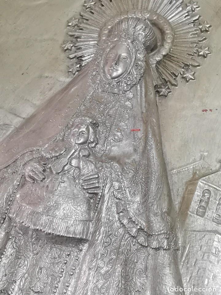 Antigüedades: CUADRO VIRGEN NUESTRA SEÑORA DEL CASTAÑAR-BEJAR -SALAMANCA-METAL CINCELADO Y REPUJADO.FIRMA MORERA. - Foto 48 - 247103550