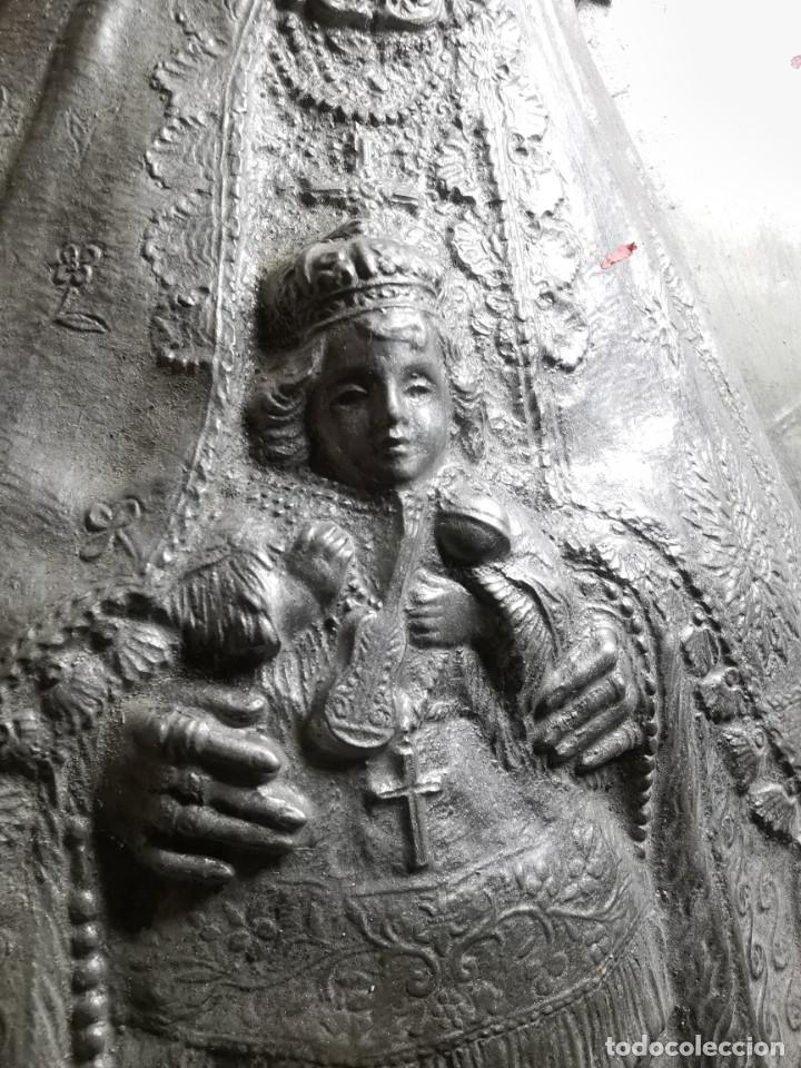 Antigüedades: CUADRO VIRGEN NUESTRA SEÑORA DEL CASTAÑAR-BEJAR -SALAMANCA-METAL CINCELADO Y REPUJADO.FIRMA MORERA. - Foto 53 - 247103550