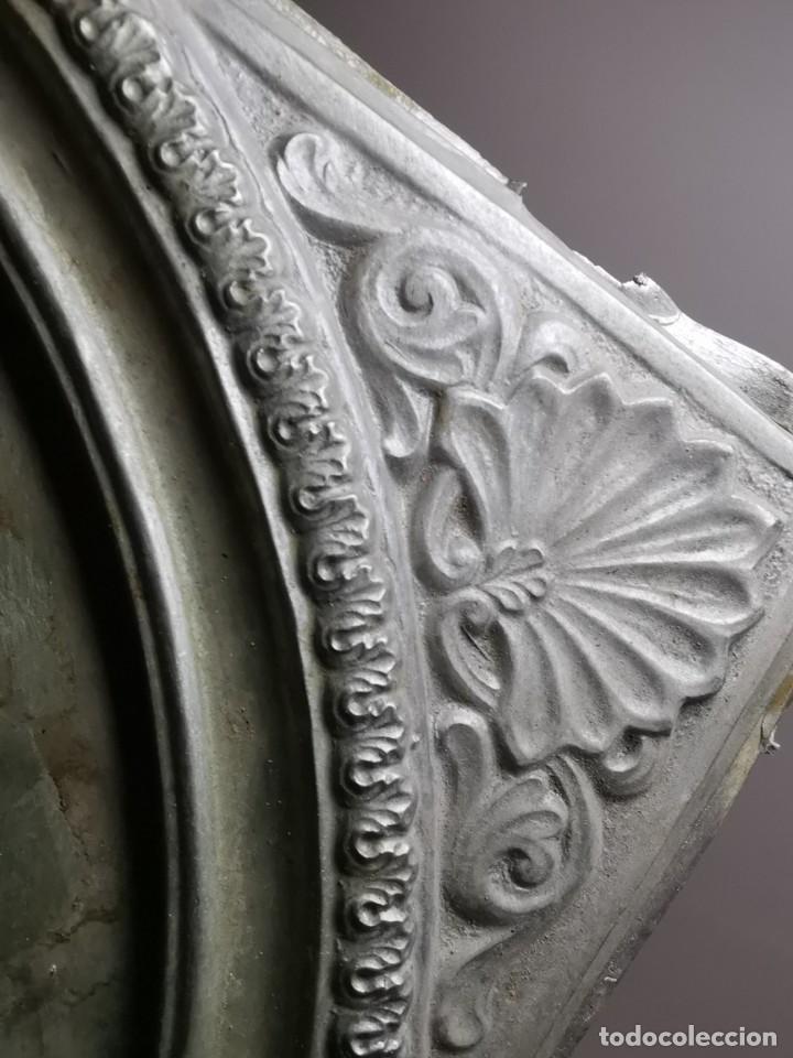 Antigüedades: CUADRO VIRGEN NUESTRA SEÑORA DEL CASTAÑAR-BEJAR -SALAMANCA-METAL CINCELADO Y REPUJADO.FIRMA MORERA. - Foto 58 - 247103550