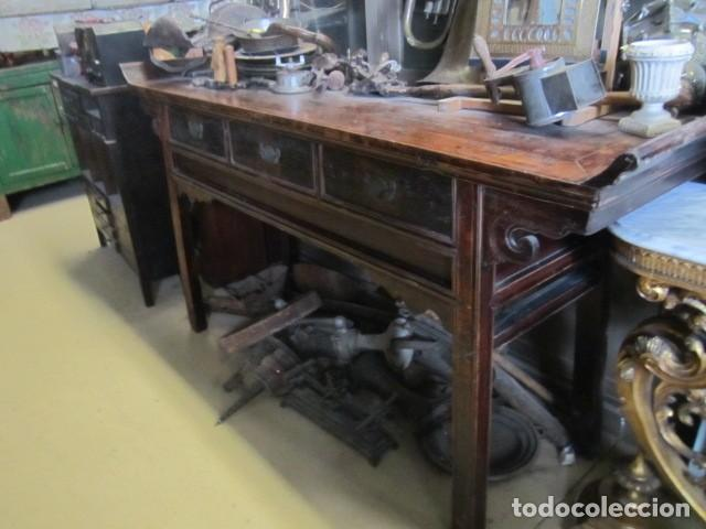CONSOLA ALTAR CHINO ANTIGUO SXIX (Antigüedades - Muebles Antiguos - Consolas Antiguas)