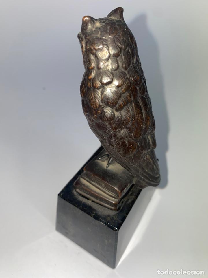 Antigüedades: FIGURA DE UN BUHO EN METAL PLATEADO. BASE DE MARMOL. MEDIADOS S.XX. - Foto 4 - 247143200