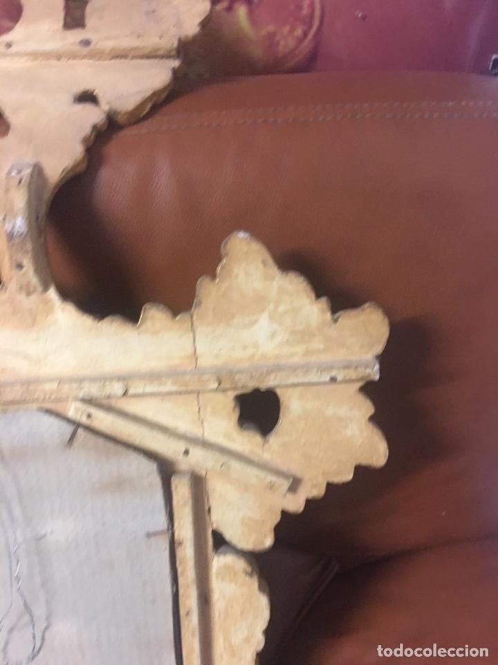 Antigüedades: Espejo Sec XXVlll / XlX cornucopias con marcos en madera tallada y fino pan de oro. - Foto 5 - 247173285